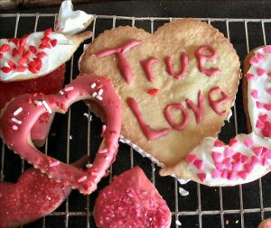 Valentine Rich Rolled Cookies Photo by sweetiebarbara on Food.com